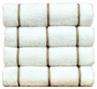 Towels Pool 2