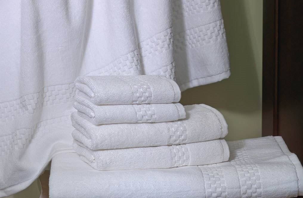 Towels Checked Border